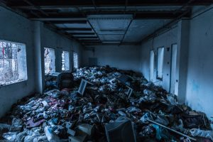 trash in house airbnb vs hotel